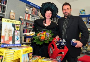 Die MARLITT und ihr neuer Verleger. Foto: Christoph Vogel